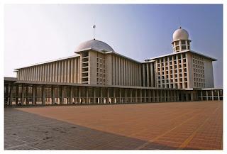 5 Masjid Terbesar di Indonesia