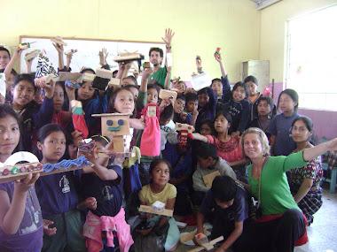 Taller en Tecpan, Guatemala, escuela bilingue Ixmukane