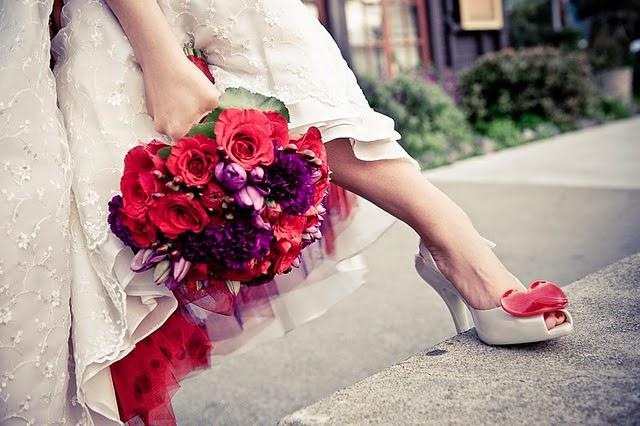Increíbles zapatos de novias | Color pasión Rojos