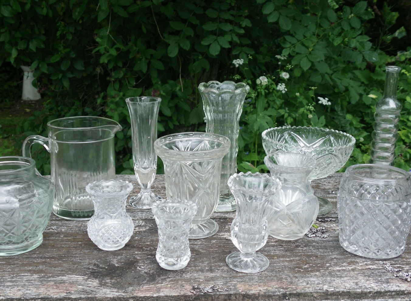 The flowers we can offer you the look vintage cut glass vases cut glass vases of all shapes and sizes look really great on the table reviewsmspy