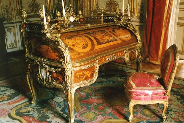 Jean-Henri Riesener and Jean-François Oeben. Bureau du Roi (Secrétaire à cylindre de Louis XV) in the Cabinet intérieur du Petit Appartement, Château de Versailles. 1760-1769