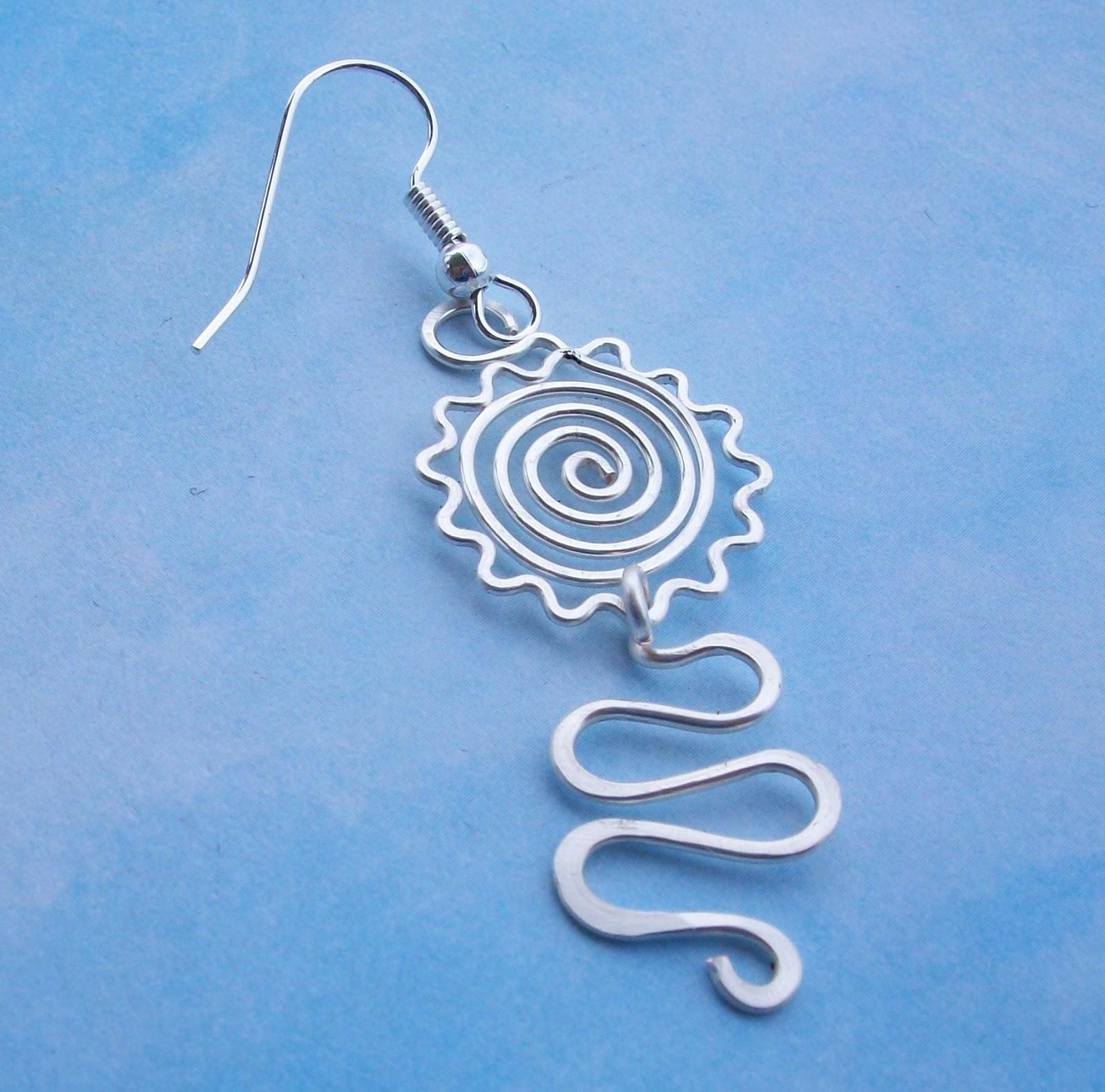 Artyzen Studio by Linda Sinish: Earring Tutorial - Sunny Spiral