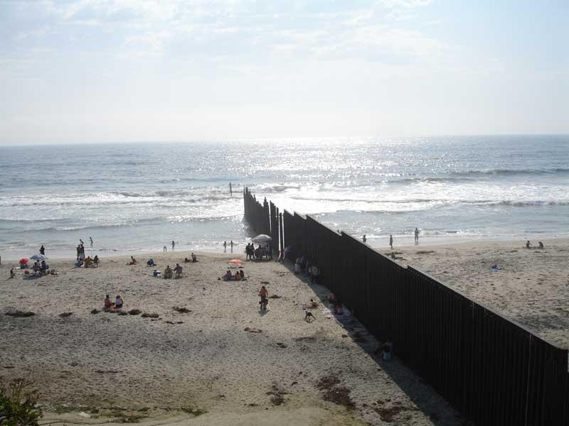 Muros murallas muro frontera eeuu m xico for Muralla entre mexico y guatemala
