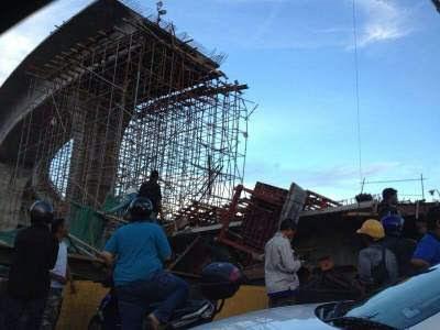 Struktur Jambatan P. Pinang Kedua Runtuh - Foto + Video
