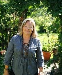 Boka föreläsning med Tyra Hallsénius Lindhe om Året i KÖKSTRÄDGÅRDEN