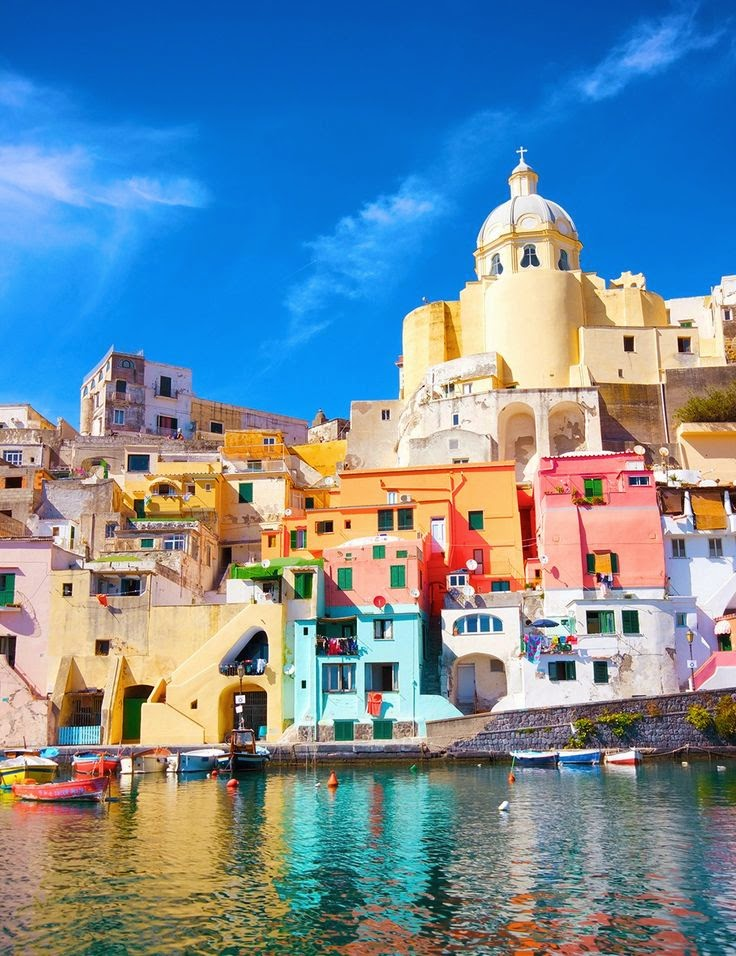 5 Colorful Places to Travel