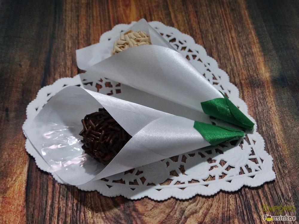 Forminhas flor copo de leite