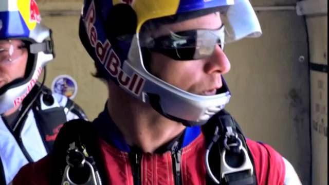 Voler au dessus de New York en wingsuit à 193 km/h ! Gopro spectaculaire