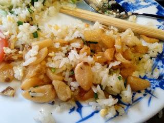 comer arroz con pollo en vietnam