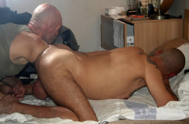 Hairy muscle stud naked