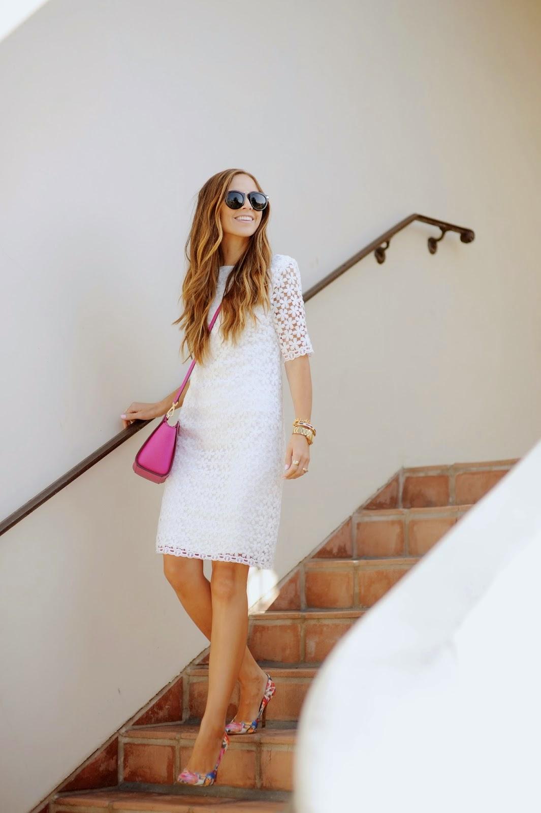 vestido-branco-fashion-curto-moda-feminina-vestido-branco-bolsa-tiracolo-bolsa-rosa-bolsa-feminina-dicas-de-moda-white-dress