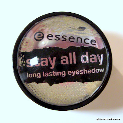 Essence Stay All Day Long Lasting Eyeshadow in 02 Glammy Goes To..., Essence Stay All Day Long Lasting Eyeshadow in 02 Glammy Goes To... swatch