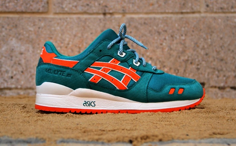 These shoes been gettin' popular. They old school and they look nice. Some  good sh!t from Asics. Might pick up the black bandanna #newheatonfeet