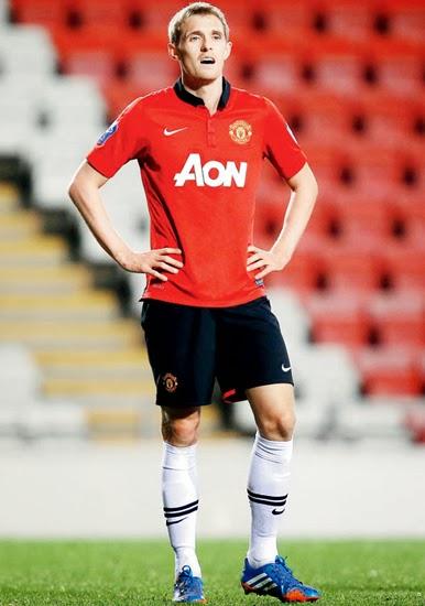Darren Fletcher Man Utd Midfielder profile 20132014
