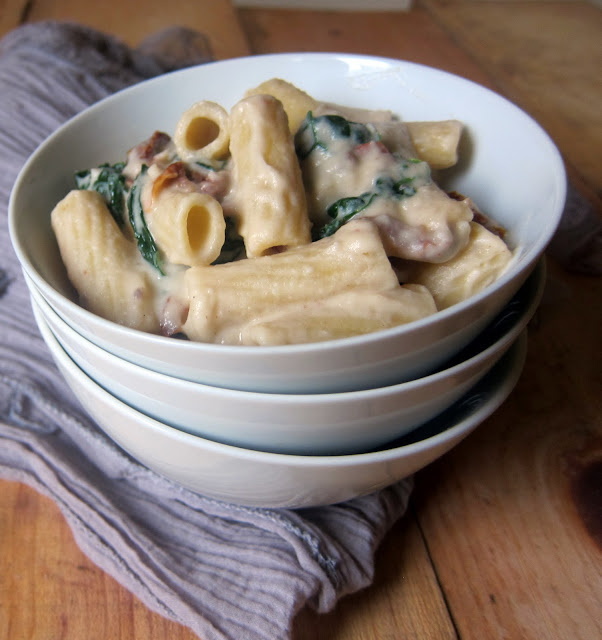 cupcakes and kale: high protein cauliflower alfredo sauce