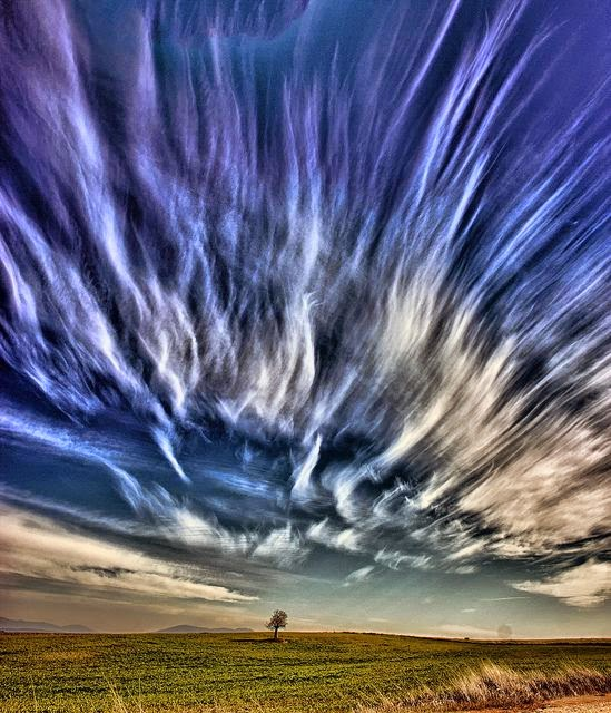 Amazing Cloud Photography: Fascinating Cloud Formations: Amazing Cirrus Clouds