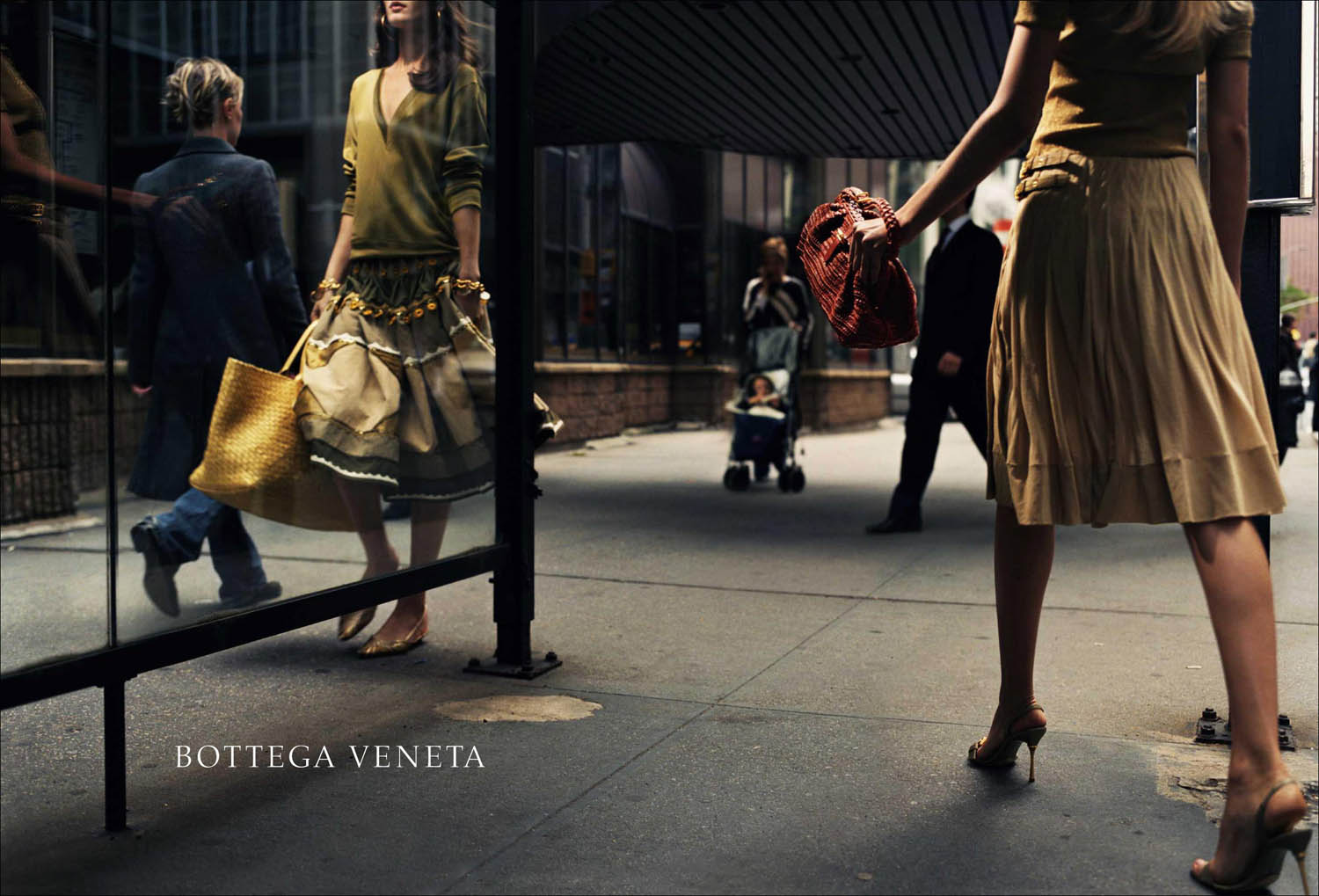 Bottega Veneta Fall/Winter 2004 campaign (photography: Robin Broadbent)