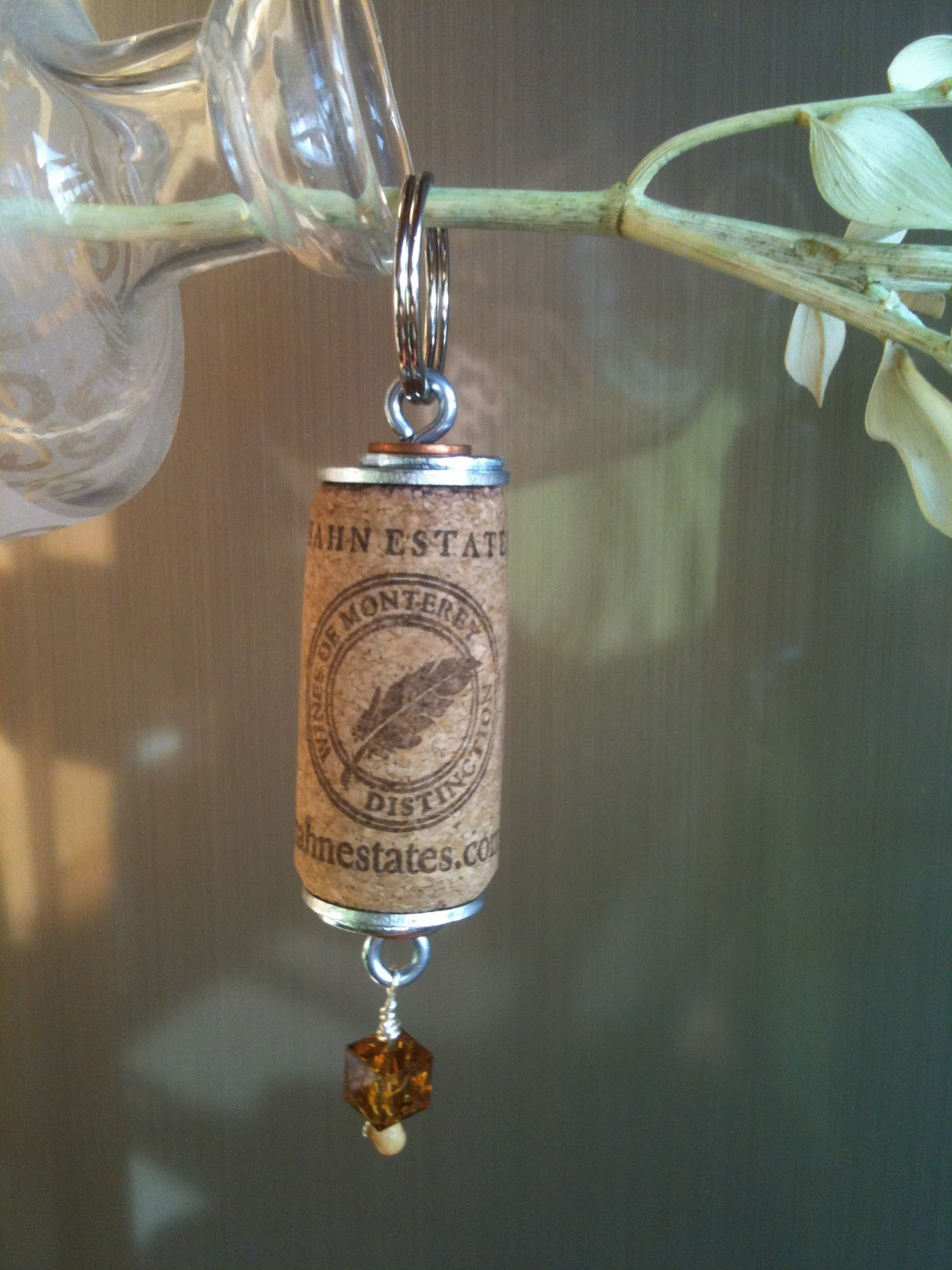 Artful panoply wine cork keychains for Crafts with corks from wine bottles