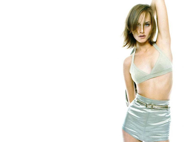 Hot Amber Valletta S Wallpapers