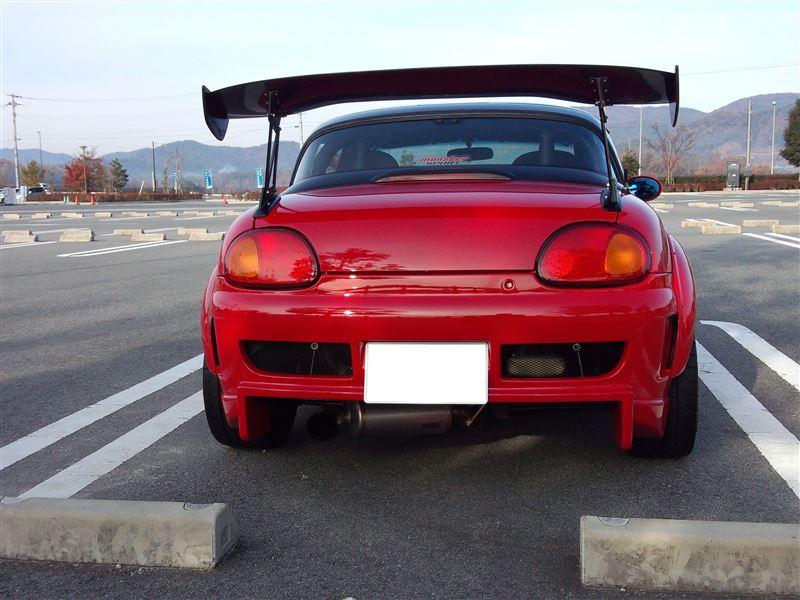 Suzuki Cappuccino, małe sportowe samochody, kei car, japońskie, ciekawe auta, mało znane samochody, tuning, duży spojler, JDM