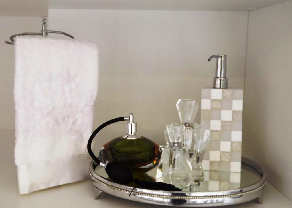 10 inpirações para organizar a bancada do banheiro  Decor Alternativa -> Como Organizar Um Armario De Banheiro
