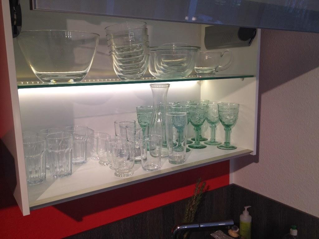 HuM's Baublog: Indirekte LED-Beleuchtung der Küche mit Loxone
