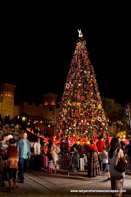 Souk Festival Market's Christmas Tree