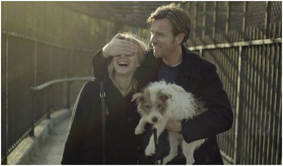 beginners_melanie_laurent_ewan_mcgregor_perro