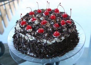 Berikut Resep dan Cara Membuat Kue Black Forest Cake :