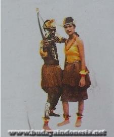 Image Result For Legenda Batu Menangis Cerita Rakyat Kalimantan