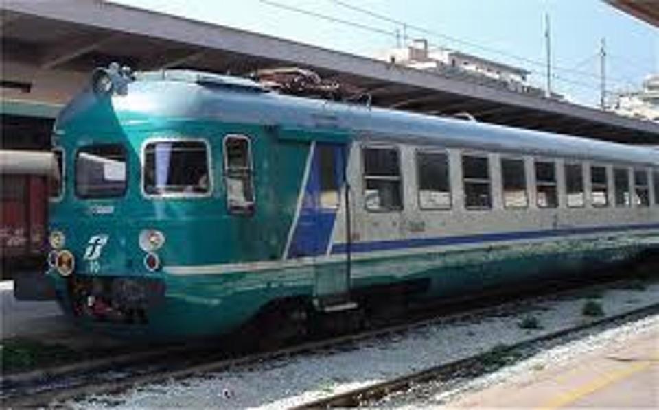 Treni: Italia a tre velocità