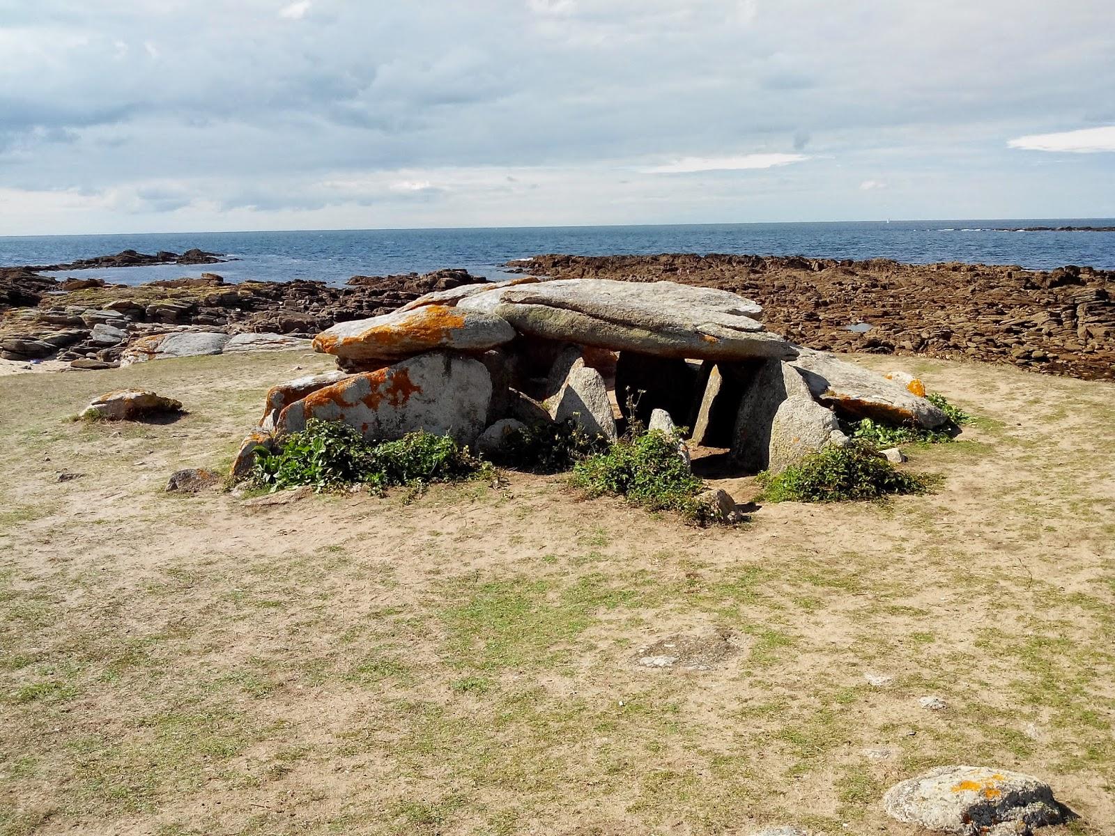 dolmen, ile dyeu, bullelodie
