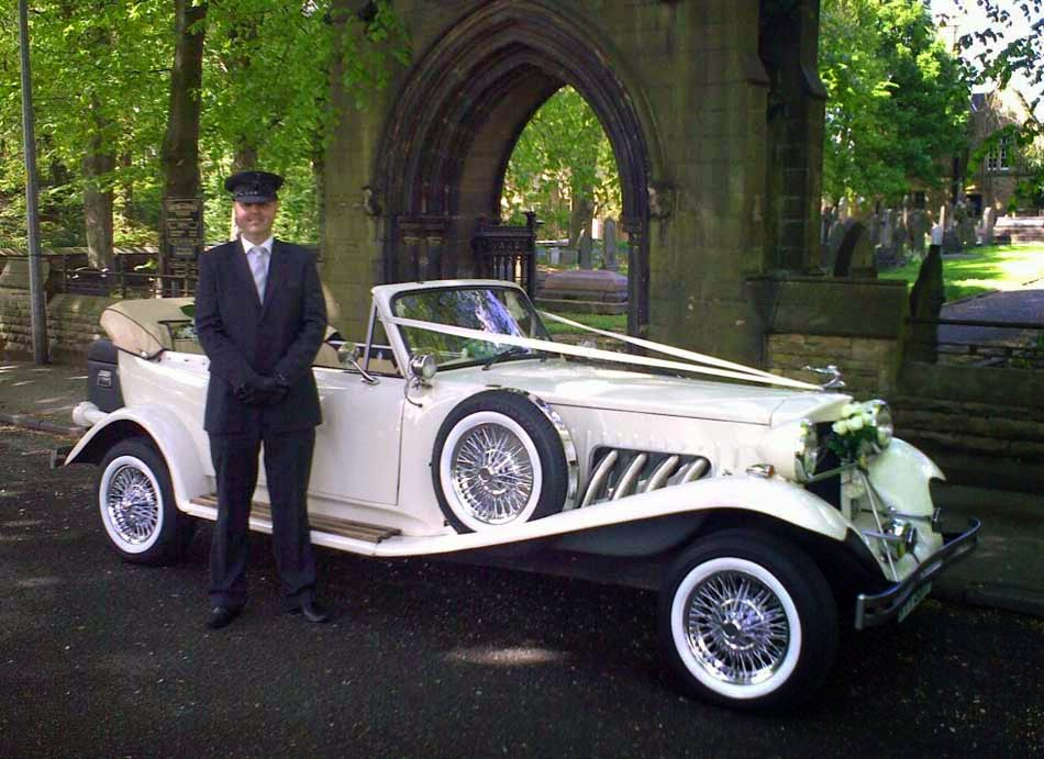 White Wedding Car Decoration Design Ideas Pictures