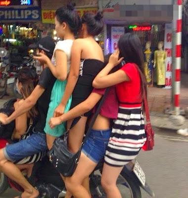 Cara-Cara Paling Konyol Dalam Mengendarai Sepeda Motor