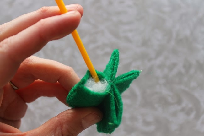 felt cactus miniature pin cushion tutorial