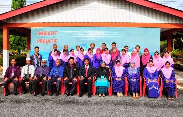 Barisan Guru SMK Batu17