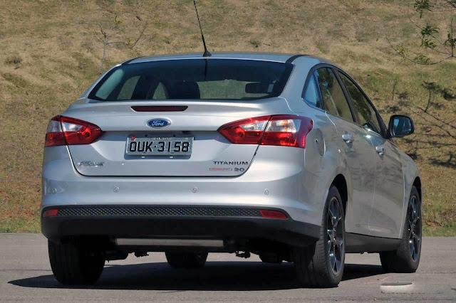 Ford Focus Sedan 2014 Titanium - Prata