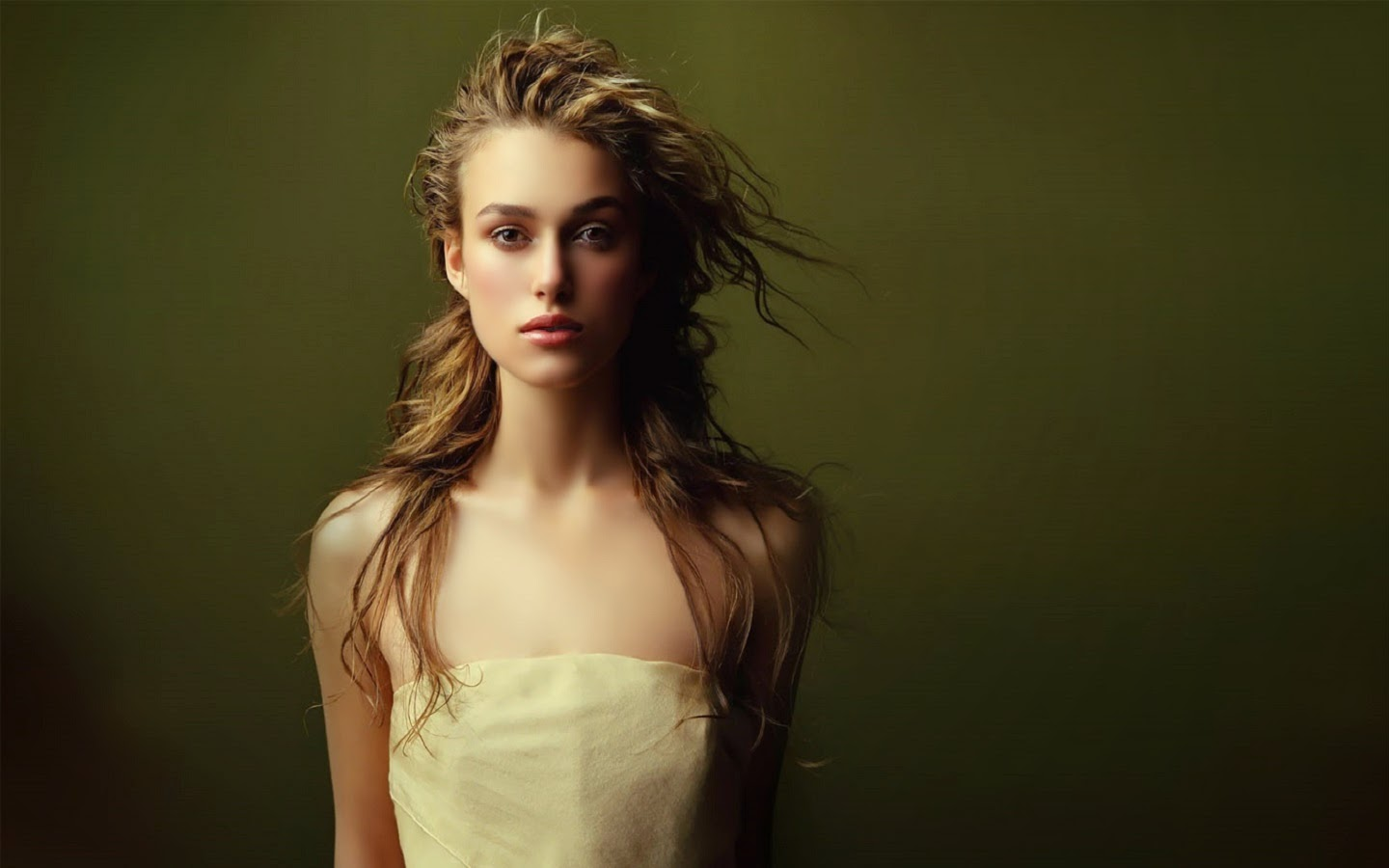 KEIRA KNIGHTLEY_WALLSTOWN_IN_HOLLYWOOD ACTRESS_HOLLYWOOD CELEBRITIES