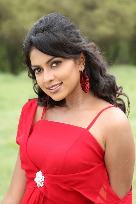 amala paul from bezawada, amala paul spicy glamour  images