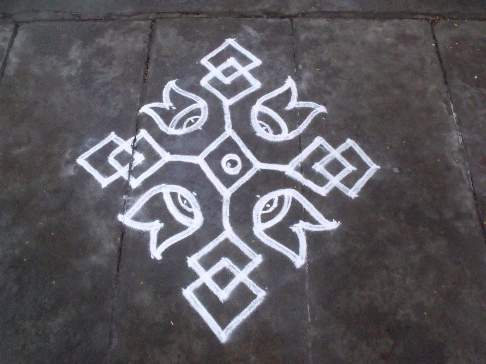 Search results for images for kolangal calendar 2015 for Apartment kolam design