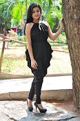 Mishti Chakraborthy latest sizzling pics-thumbnail-12