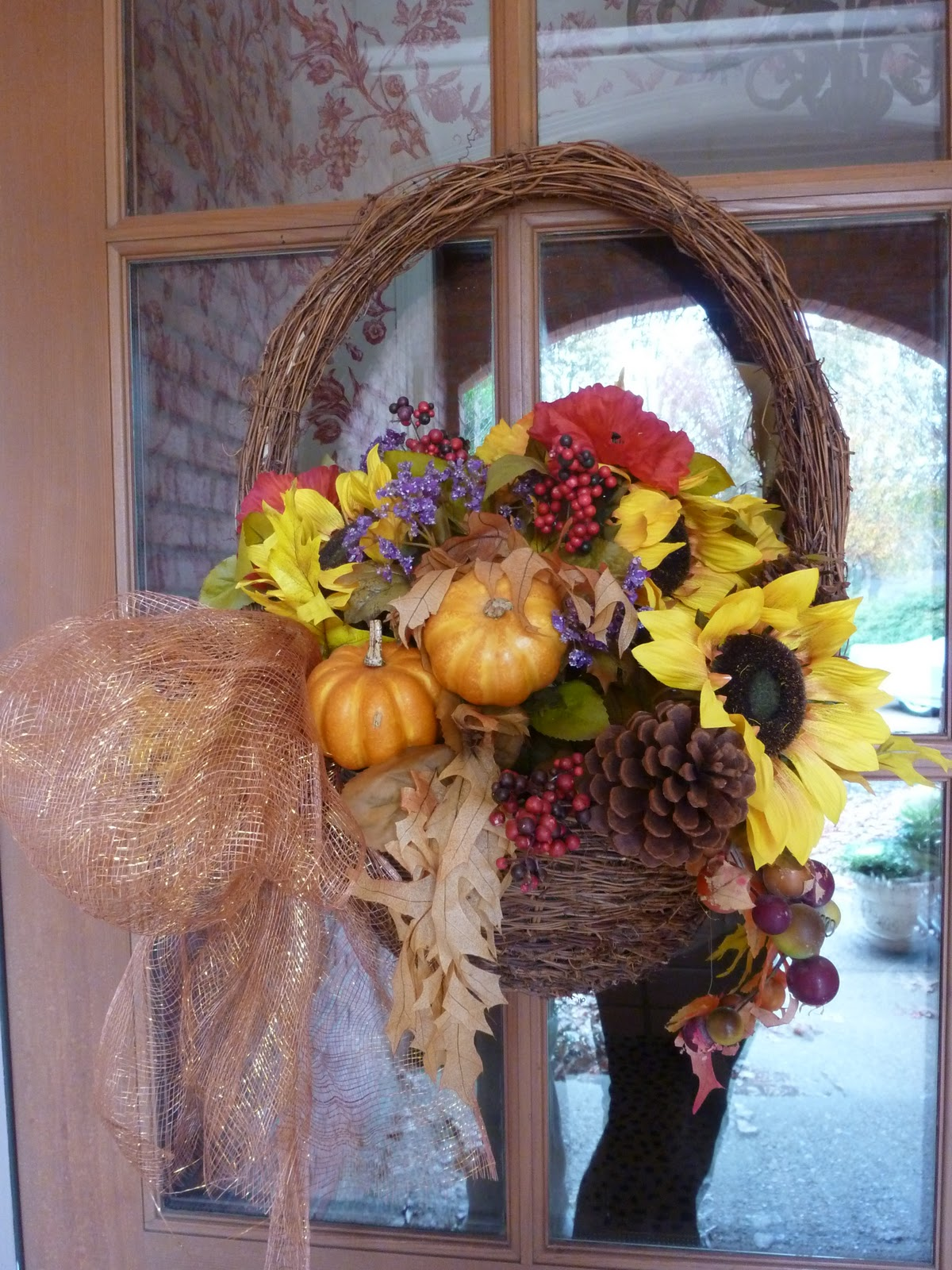 Decorating Ideas > Ellen Used A Basket Decor She Got From Walmart, Added  ~ 071532_Thanksgiving Decorations Walmart