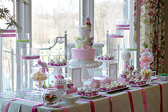 Alainas 5th Birthday Partythe sweets table The Couture Cakery
