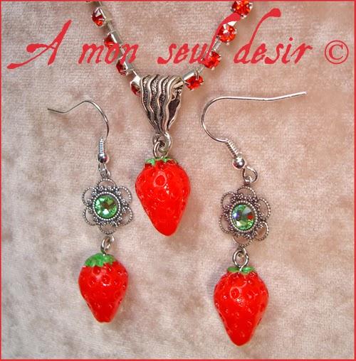 Parure Bijoux Collier Boucles d'Oreilles Fraises Fruits Rouges Kawaii Yummy Gourmandises Strass Swarovski rhinestones Strawberry jewels set necklace earrings