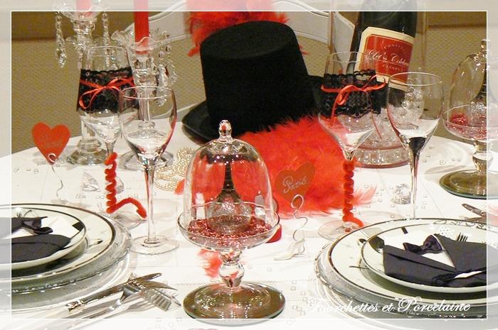 Fourchettes et porcelaine table paris cabaret - Nappes et serviettes de table ...