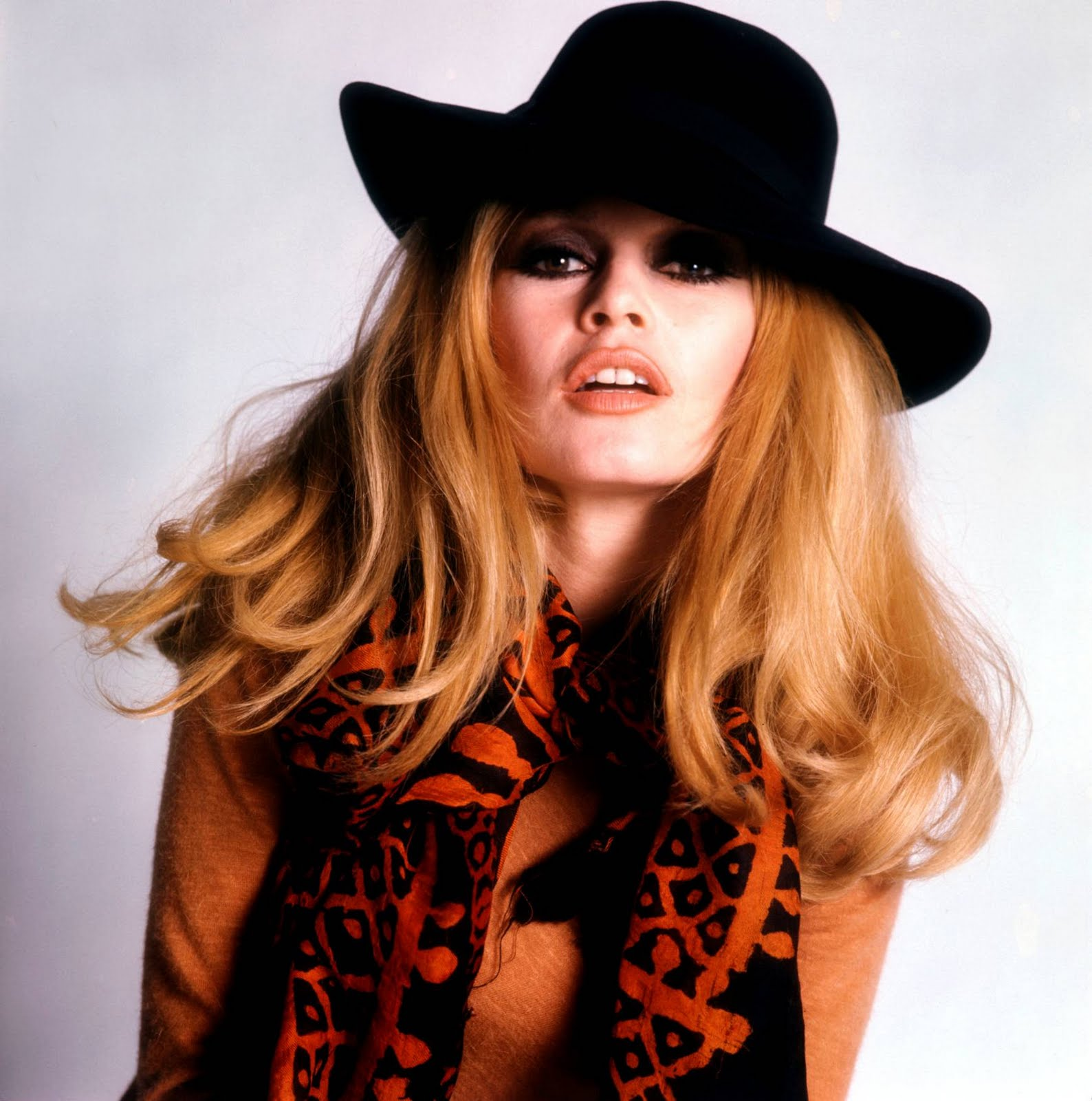 http://3.bp.blogspot.com/-PdcNXjZjzrk/TlNcEy4cANI/AAAAAAAAIjc/hPF1HoUl7n4/s1600/Brigitte-Bardot-59.jpg
