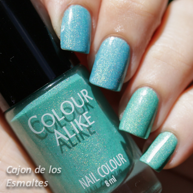 Colour Alike - Celeste 512 y Verde 513