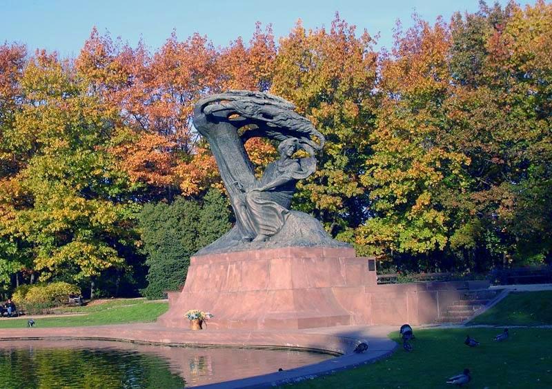 Frederic Chopin Statuen i Warszawa