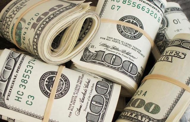hal yang membuat Anda miskin, uang, liabilitas berlebihan