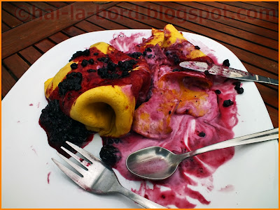crepes cu inghetata de fructe de padure casa lorabella